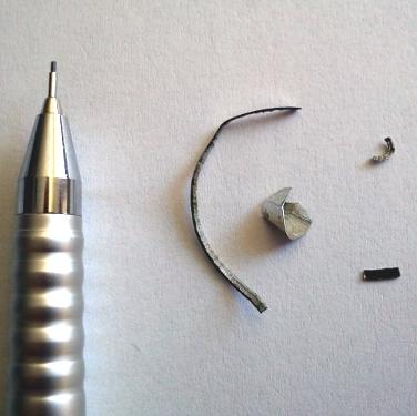 A képen 4 db forgácsot és egy ceruzát rejtettünk el